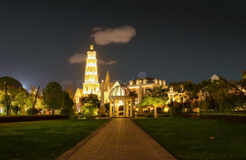 Cena europeia da noite da arquitetura do parque 1903 de Kunming fotografia de stock royalty free