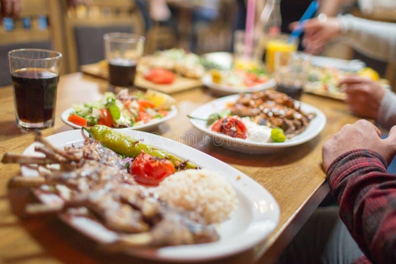 Cena iftar medio-oriental fotografía de archivo libre de regalías