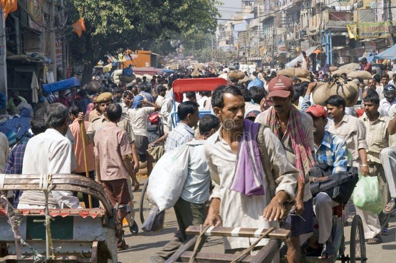Cena indiana aglomerada da rua fotografia de stock royalty free