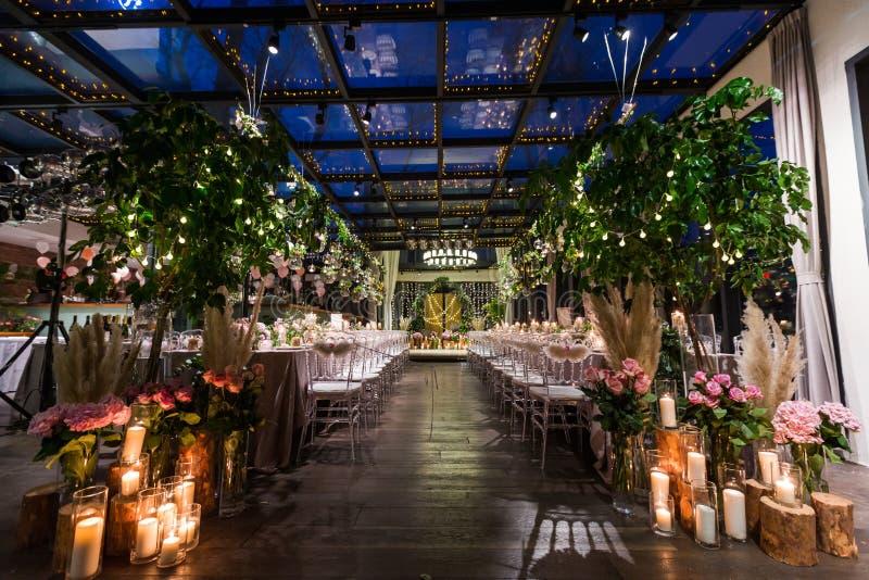 Cena interna do casamento fotos de stock royalty free