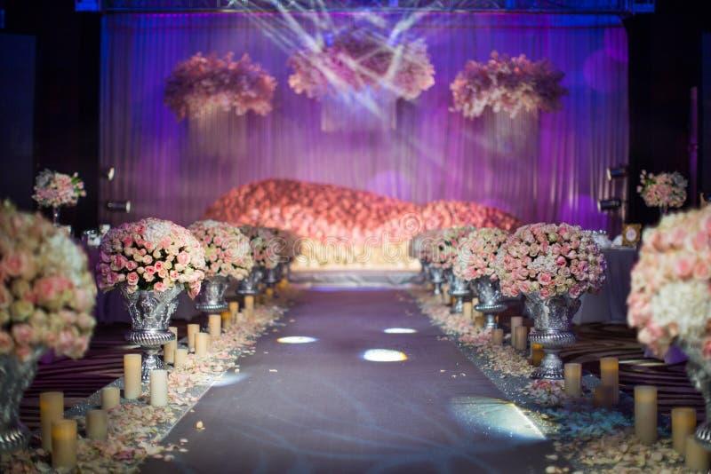 Cena interna do casamento imagem de stock royalty free