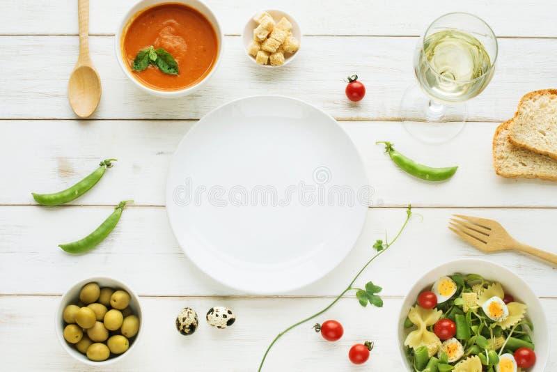 Cena leggera di estate/concetto di cena Copi lo spazio immagine stock