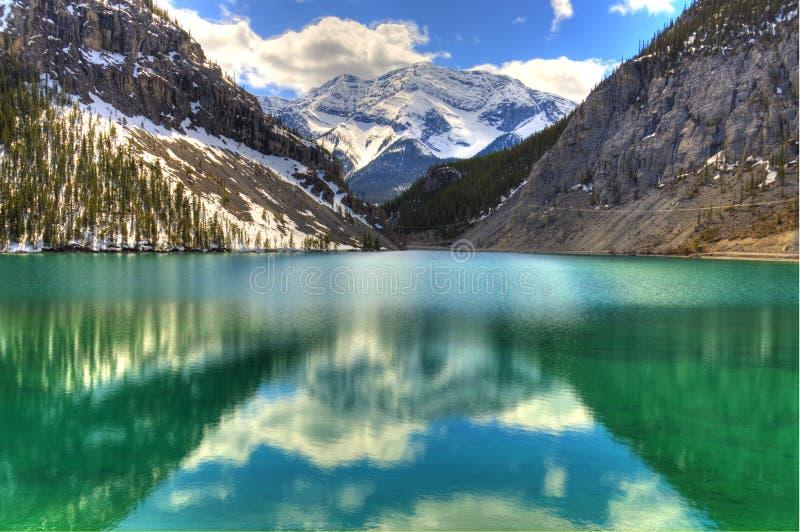 Cena majestosa nas Montanhas Rochosas canadenses imagens de stock