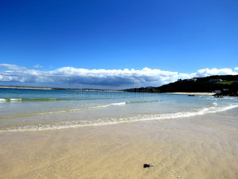 Cena norte da praia do verão de Cornualha imagens de stock royalty free