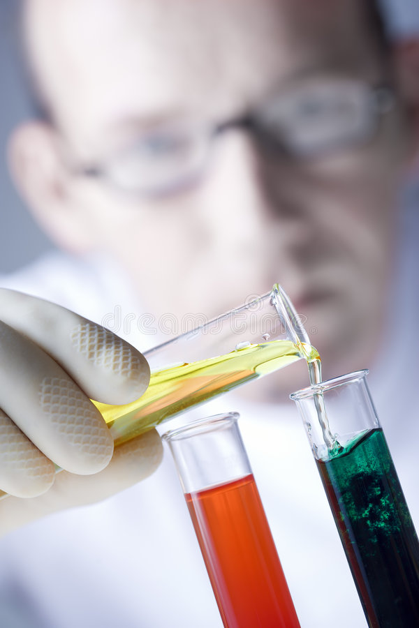 Cena química do laboratório fotos de stock royalty free
