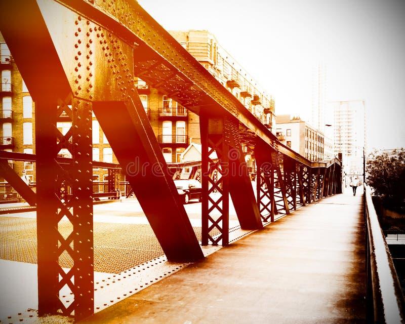 Cena urbana da ponte foto de stock