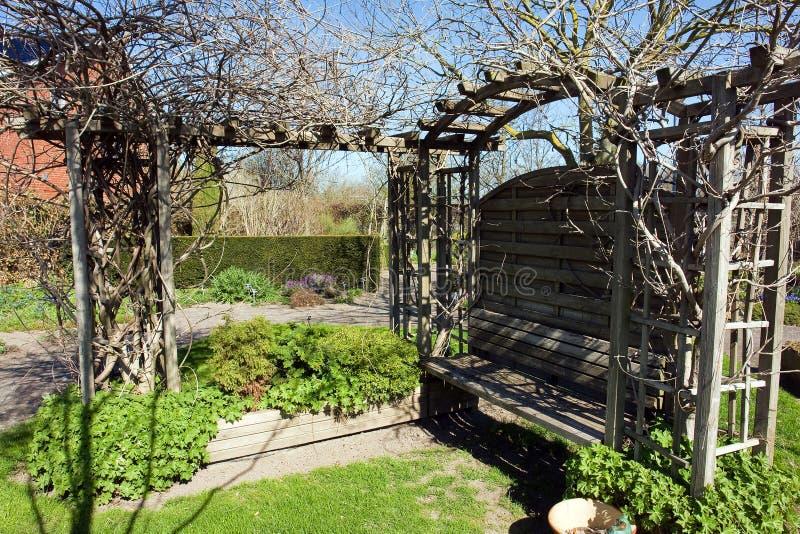 Cenador del gazebo de la p rgola del jard n imagen de for Cenador de jardin
