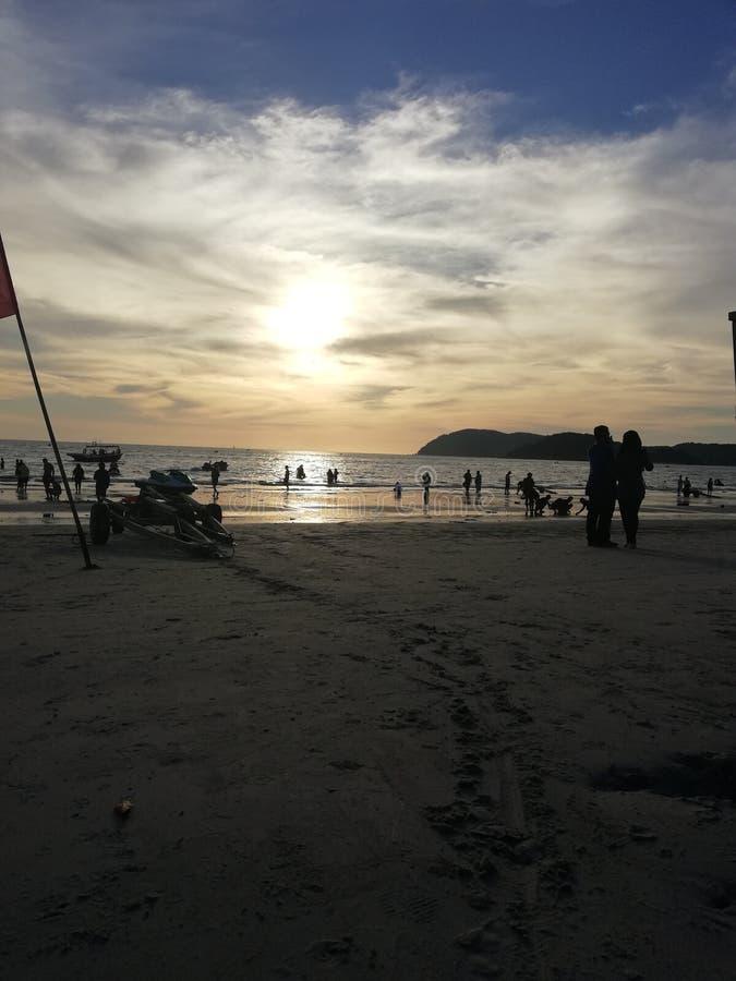 cenang langkawi Malesia di pantai di tramonto fotografia stock