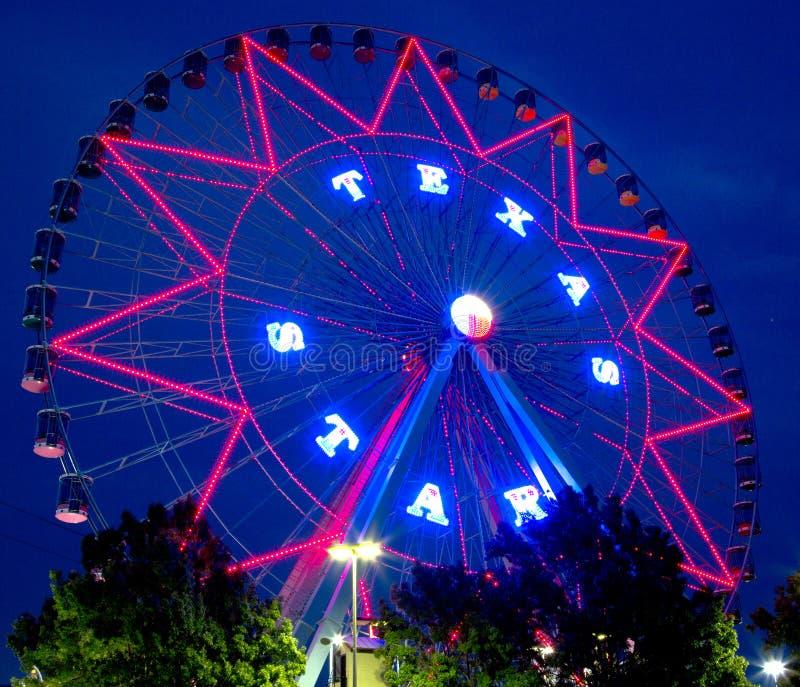 Cenas bonitas da noite da roda de Ferris fotos de stock