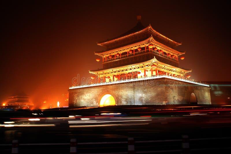 Cenas da noite da torre de Xian Bell imagens de stock royalty free