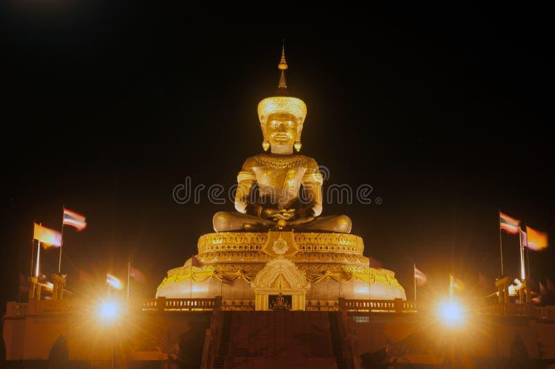 Cenas da noite de grande Phra exterior Phuttha Maha Thammaracha Buddha imagens de stock royalty free