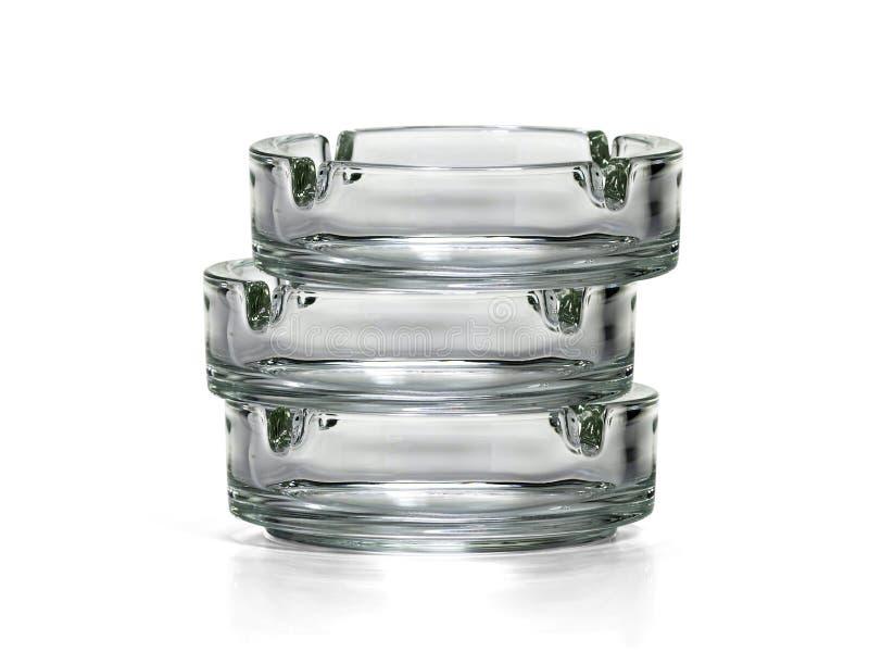 Cenicero de cristal aislado en blanco imagen de archivo libre de regalías