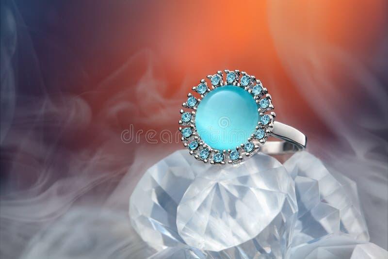 Cenny pierścionek z gemstone obrazy royalty free