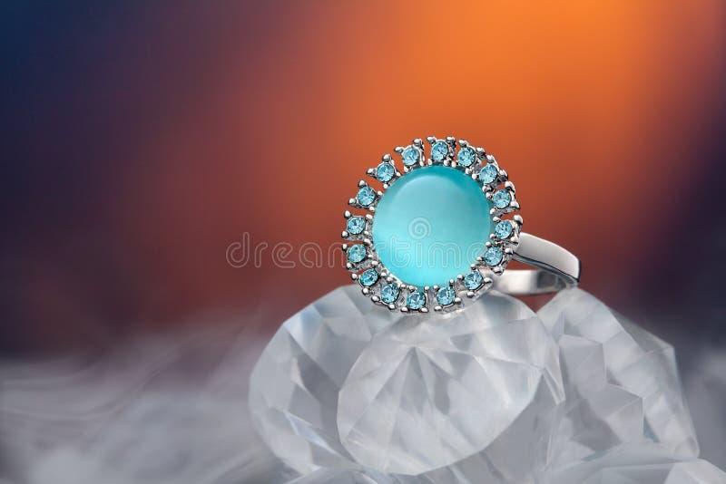 Cenny pierścionek z gemstone obraz royalty free