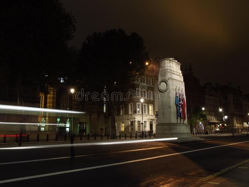 Cenotafio con los rastros ligeros imágenes de archivo libres de regalías