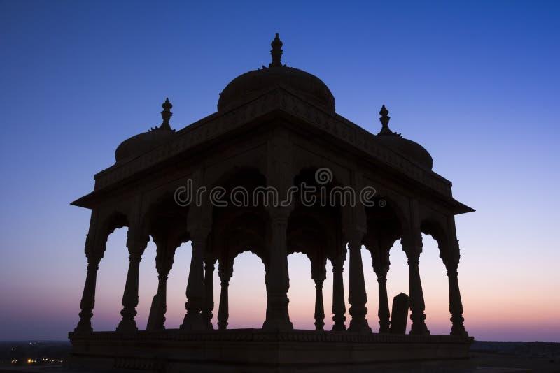 Cenotafio Jaisalmer, Ragiastan, India di Bada Bagh immagine stock libera da diritti