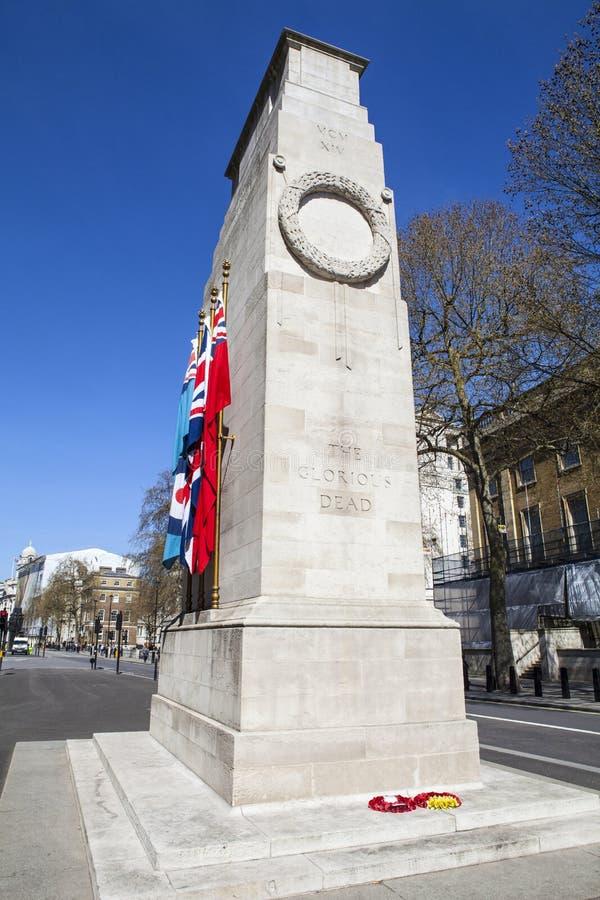 Cenotafiumkrigminnesmärke i London arkivbilder