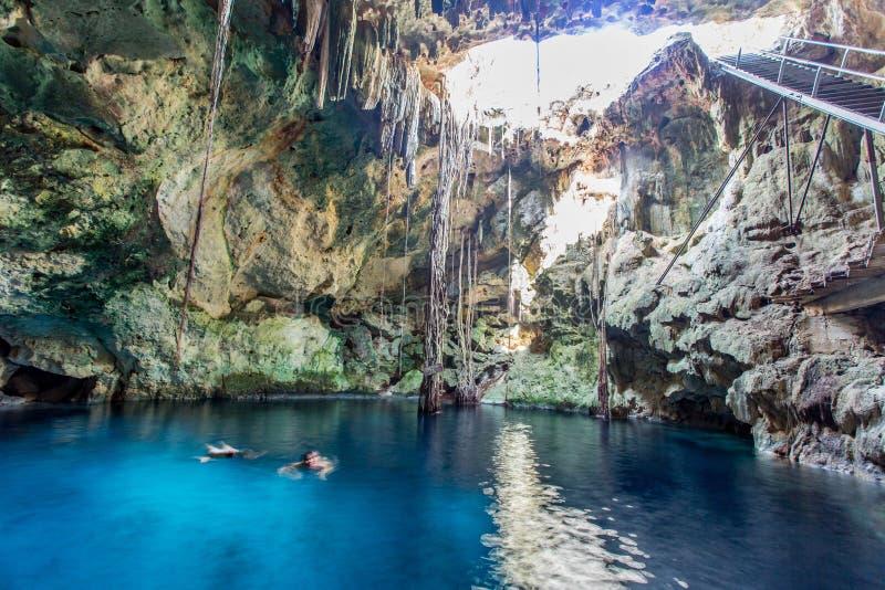 Cenote de Cuzama, Yucatán, México fotos de archivo