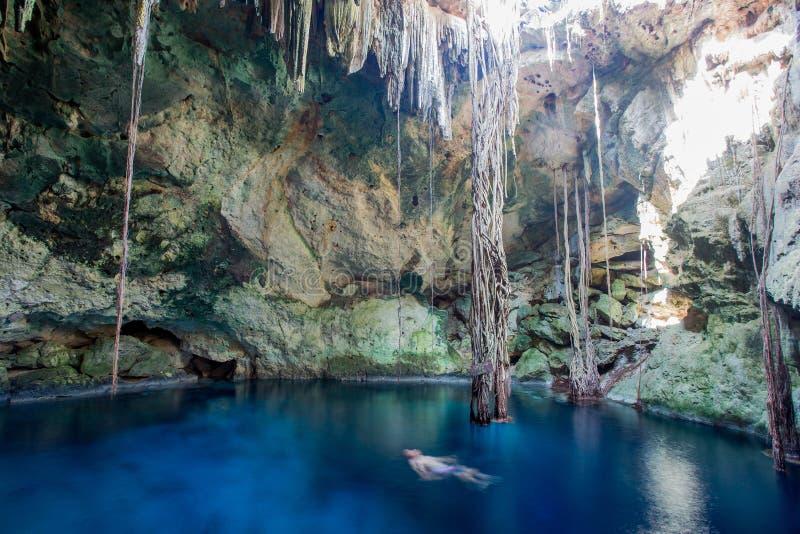 Cenote de Cuzama, Yucatán, México fotografía de archivo