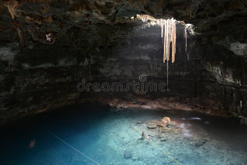 Cenote Samula en la península del Yucatán, México imagen de archivo
