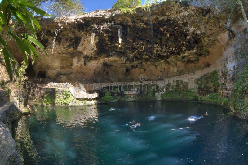 Cenote Zaci in Valladolid, Yucatan stockbilder