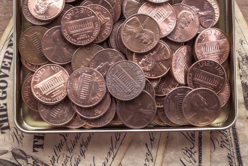 Cent och gamla räkningar royaltyfri bild