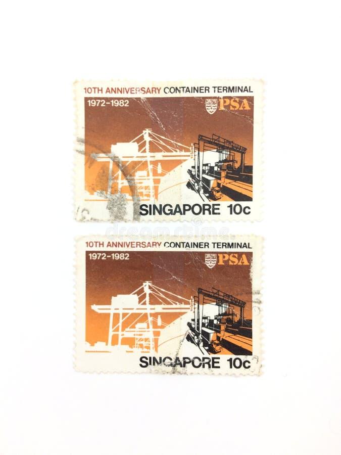 10 cent 1972-1982, Singapore 10de verjaardag Container Terminal gebruikte postzegel stock afbeeldingen