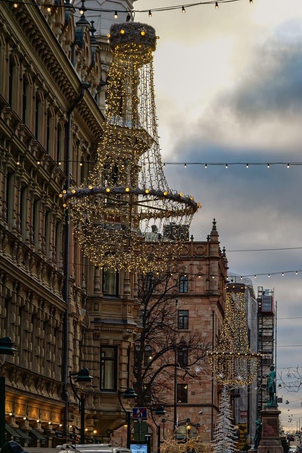 Centelleo y luces festivas de la ciudad de Helsinki, Finlandia de la Navidad imágenes de archivo libres de regalías