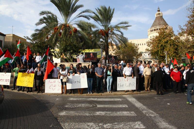 Centenas na anti demonstração da guerra que suporta Gaza fotos de stock