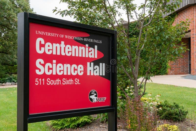 Centential vetenskap Hall på universitetet av Wisconsin River nedgångar royaltyfri fotografi