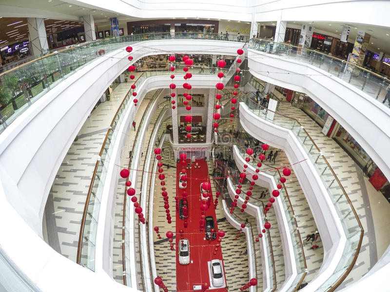 Centerpoint shoppingmitt royaltyfri foto