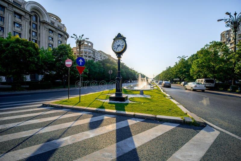 Centraal vierkant in Boekarest stock afbeeldingen