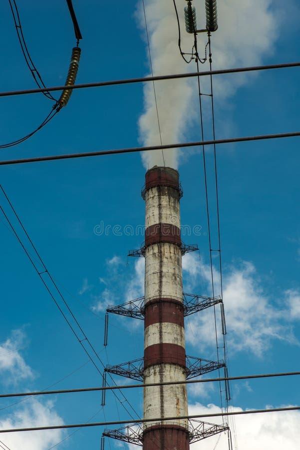Centrais e linhas elétricas térmicas Subestação elétrica da distribuição fotos de stock