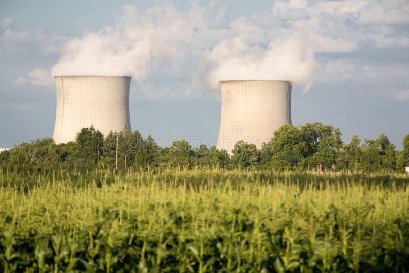 Centrais energéticas nucleares imagem de stock