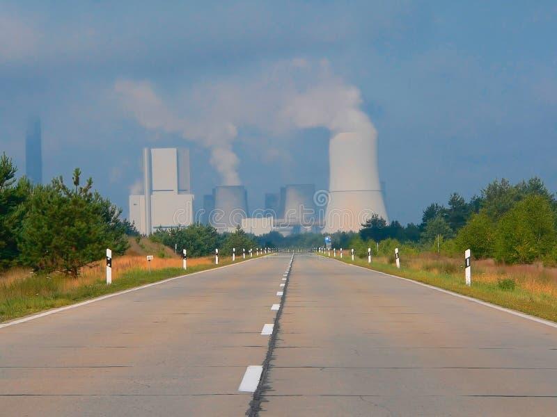 Central eléctrica ardiente del carbón imagenes de archivo