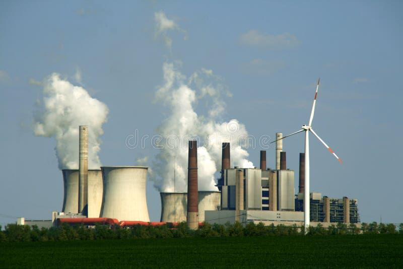 Central eléctrica Coal-burning imagen de archivo