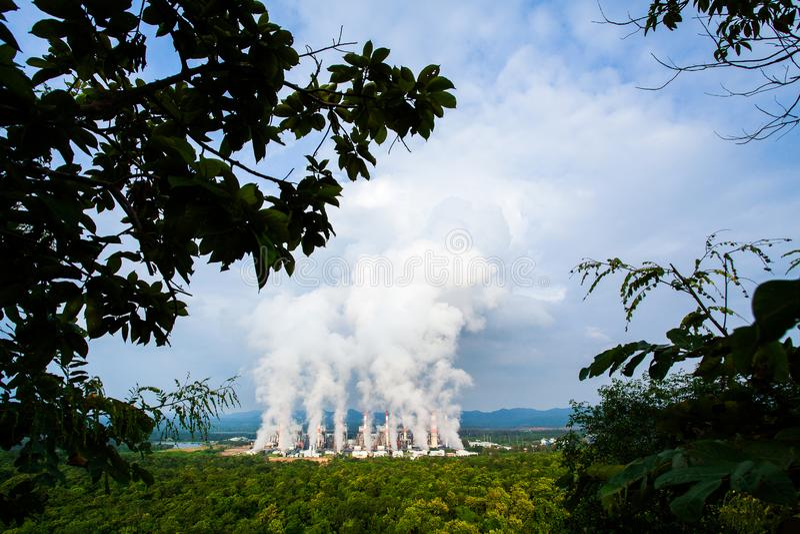 Central eléctrica de energía del carbón de Mae Moh en Lampang, Tailandia fotografía de archivo
