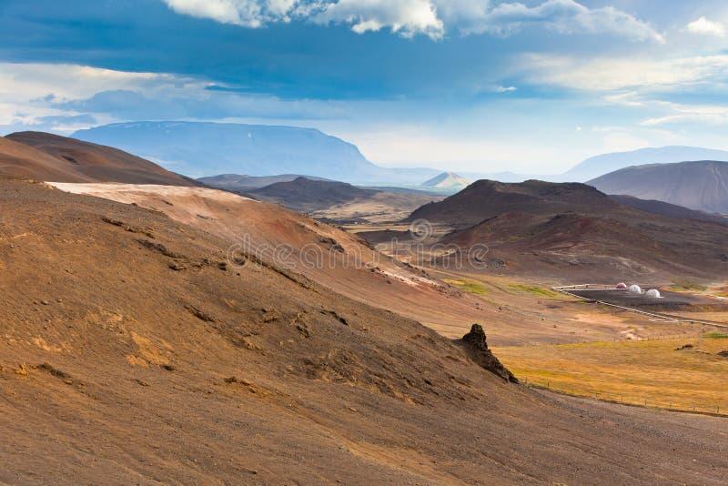Montañas de Islandia en el día soleado del verano imágenes de archivo libres de regalías