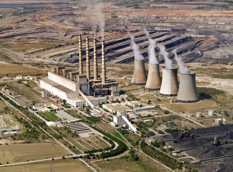 Central eléctrica y mina de carbón, aérea fotos de archivo