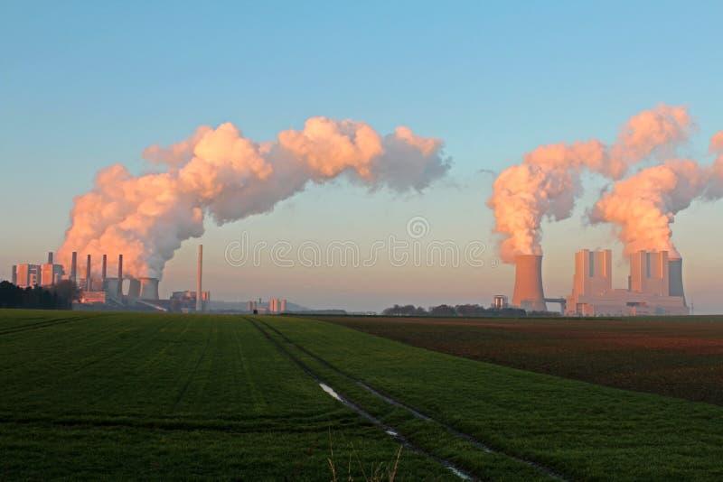 Central elétrica do lignite imagens de stock