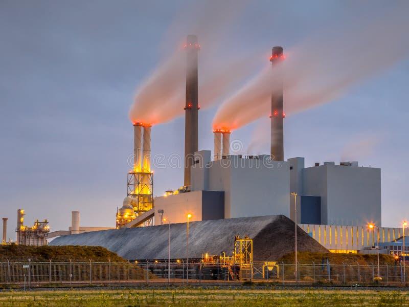 Central elétrica posto carvão de trabalho Rotterdam foto de stock