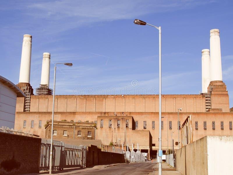 Central elétrica retro Londres de Battersea do olhar foto de stock royalty free