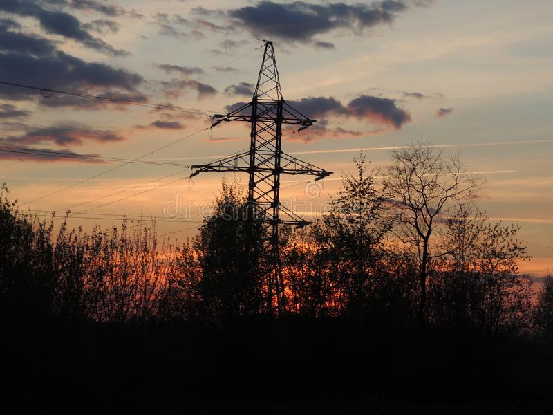 Central el?ctrica en la puesta del sol imágenes de archivo libres de regalías