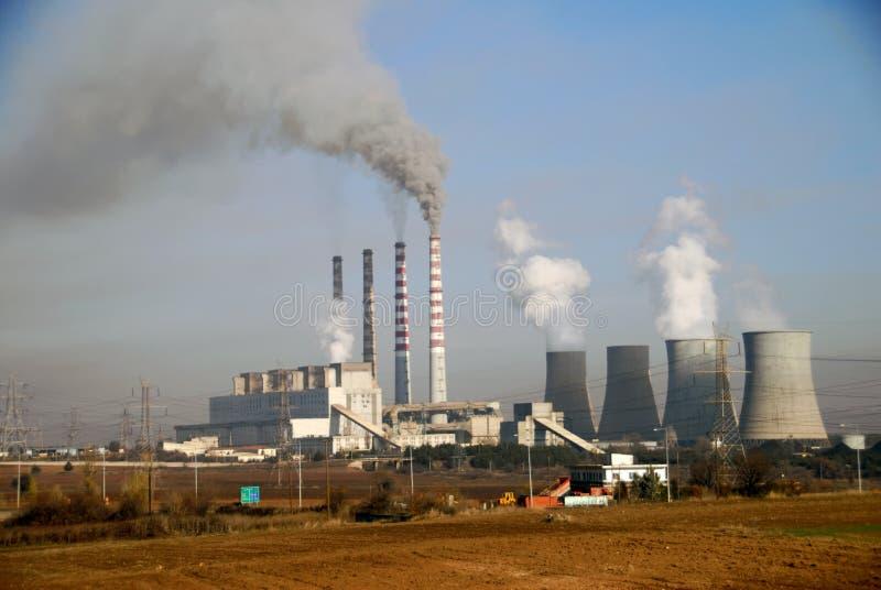 Central electrica del carbón de leña en Ptolemaida, Grecia fotos de archivo