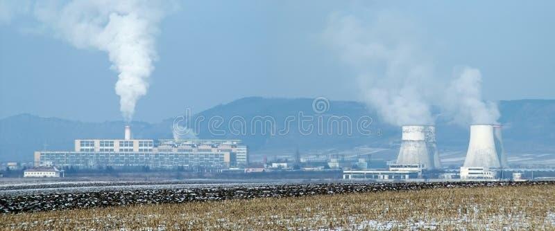 Download Central energética imagem de stock. Imagem de paisagem - 530761