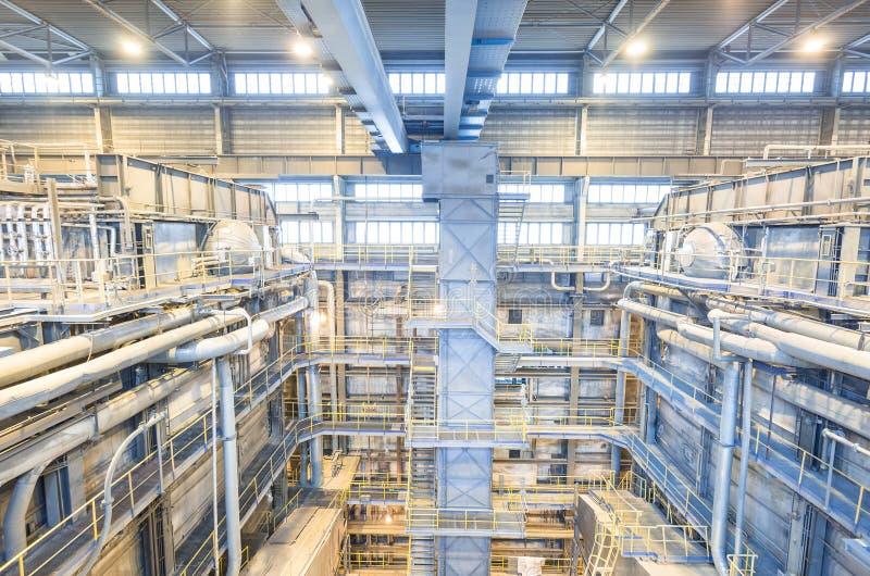 Central energética de carvão Interior da indústria com caldeiras imagem de stock