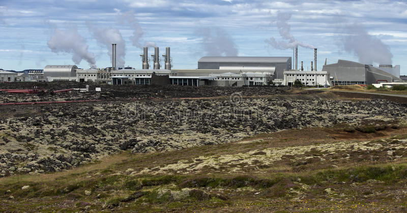 Central energética Geothermal foto de stock royalty free
