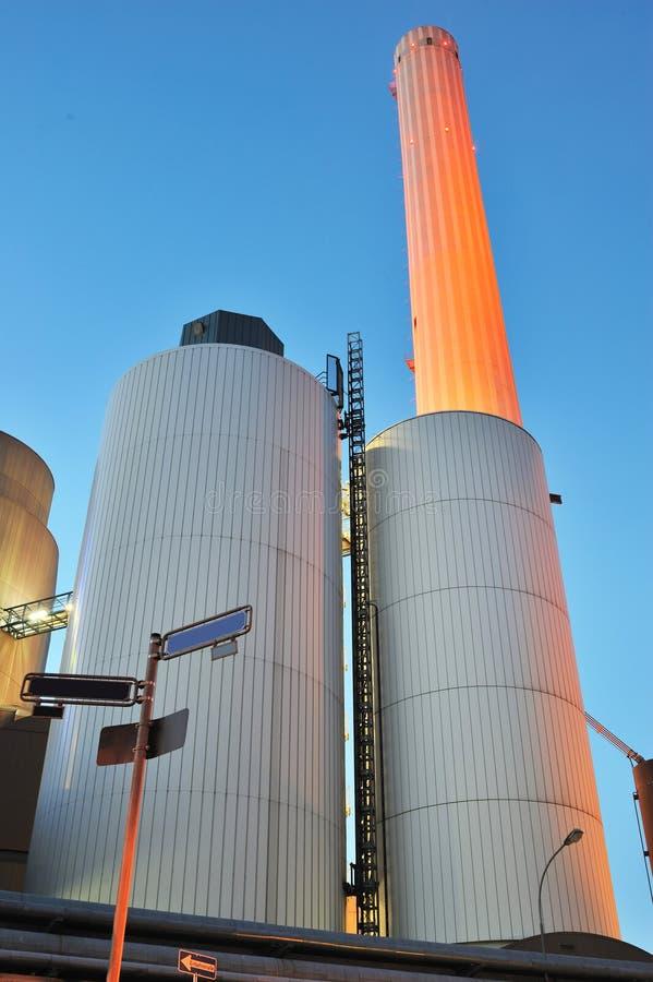 Central energética moderna em Francoforte fotos de stock