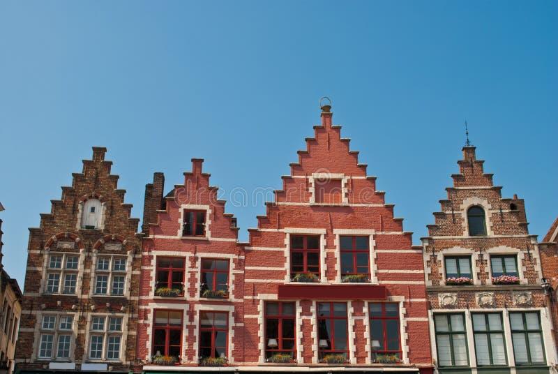 central fyrkant för bruges byggnader arkivbilder