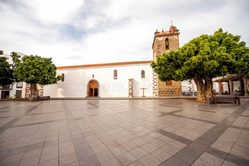 Central fyrkant på stad för Los LLanos arkivbild